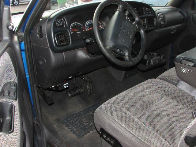 1999 Dodge Ram 1500 T Chairs