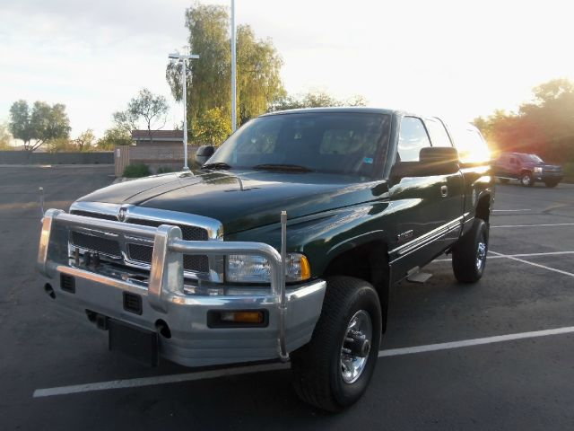 2002 Dodge Ram 2500 4X2 Extended CAB 122.9 IN