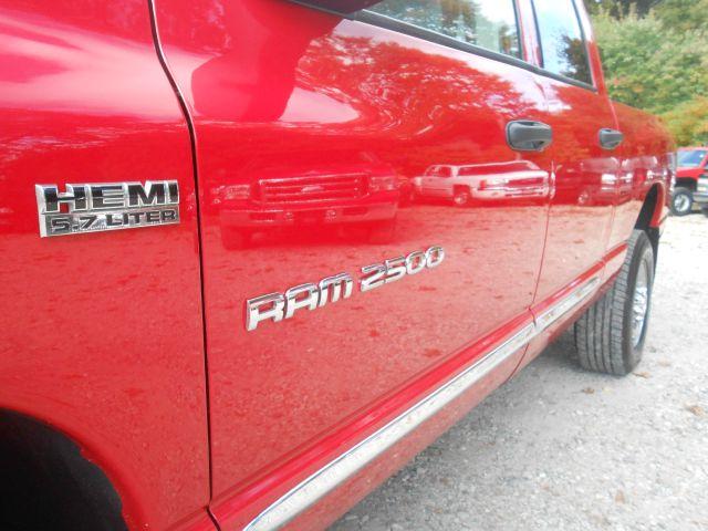 2006 Dodge Ram 2500 4d Wagon AWD