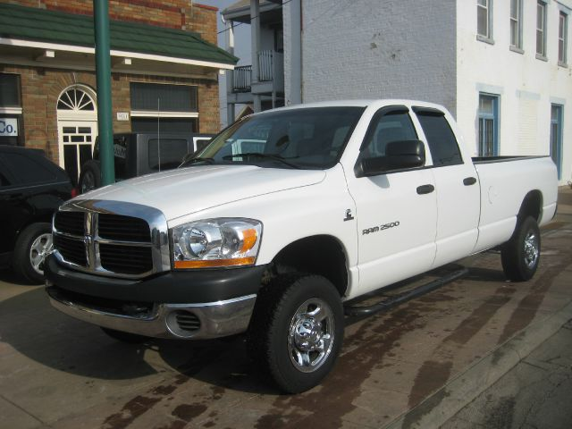 2006 Dodge Ram 2500 EX W/ Leather And DVD