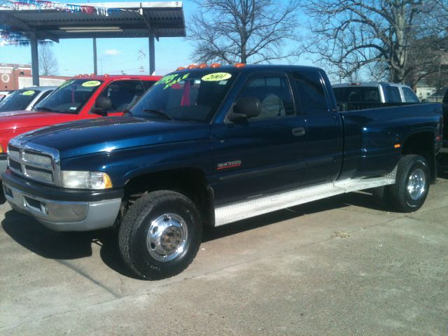 2001 dodge ram 3500 z71 4x4 crew cab details owensboro ky 42303. Black Bedroom Furniture Sets. Home Design Ideas