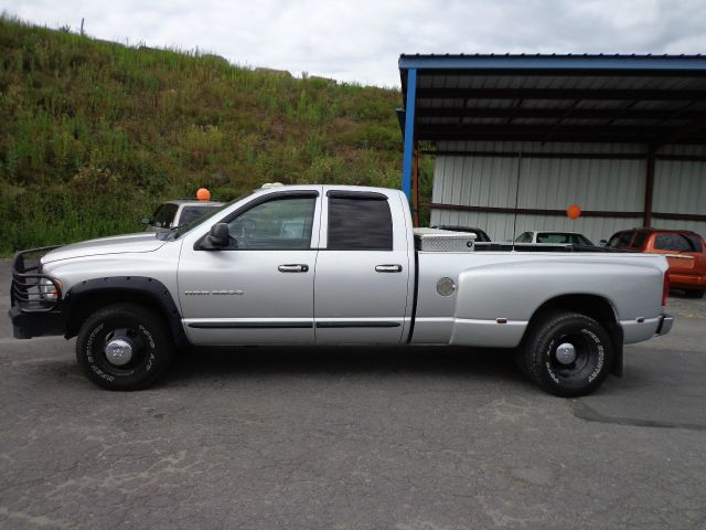 2003 dodge ram 3500 sahara 4x4 details binghamton ny 13903. Black Bedroom Furniture Sets. Home Design Ideas