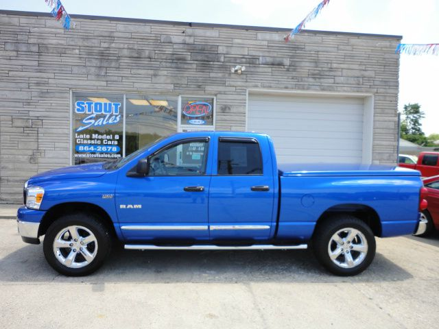 2008 Dodge Ram Pickup 1500 CE Clean AUTO Checkwe Offer Financing FOR ALL TY