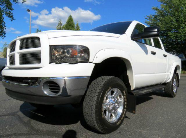 2005 Dodge Ram Pickup 2500 Sport Hard Top
