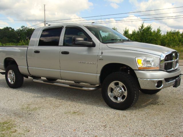 2006 Dodge Ram Pickup 2500 SCAB XLT 4WD LONG BOX