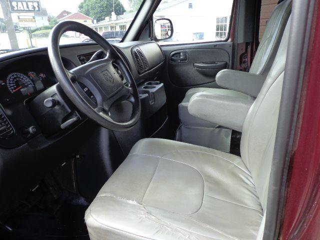 2003 Dodge Ram Van SLT / Big Horn
