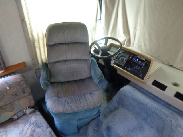 1993 Fleetwood Flair 28b