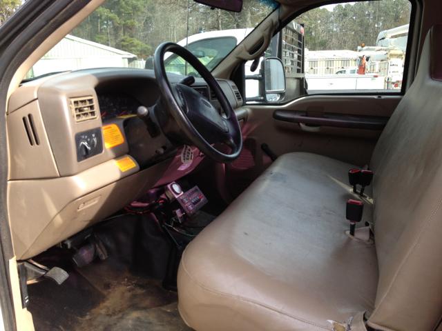 2000 Ford Bucket Truck F-550 Sport Package II
