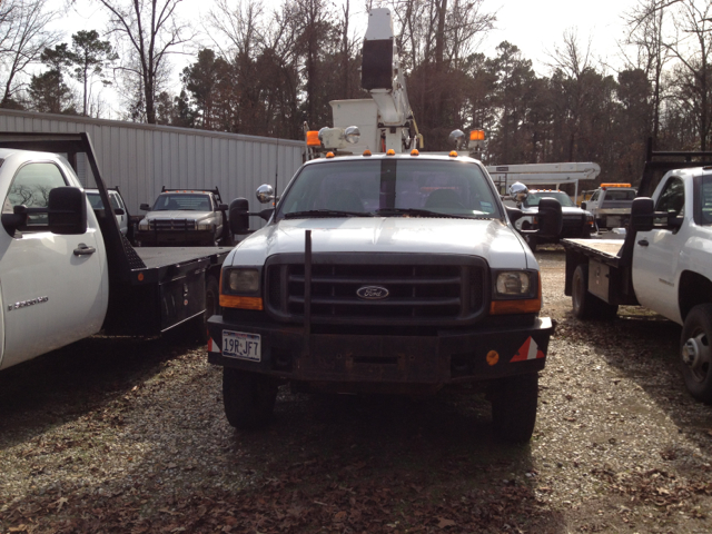 2000 Ford Bucket Truck F-550 Sport Package II