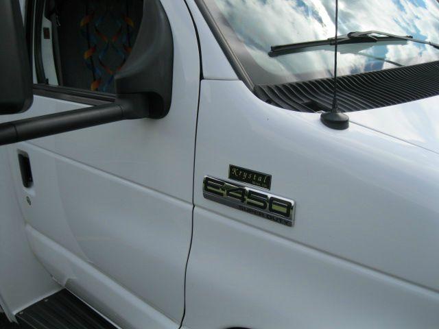 2006 Ford E-450 3.8 Sedan