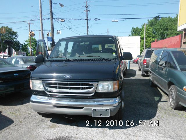 2002 Ford E-Series Wagon Super CAB 5.4L V8