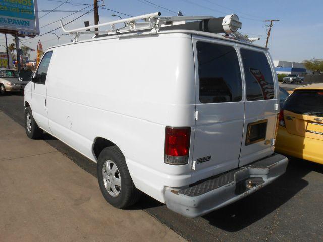 2002 Ford Econoline 328 Ci
