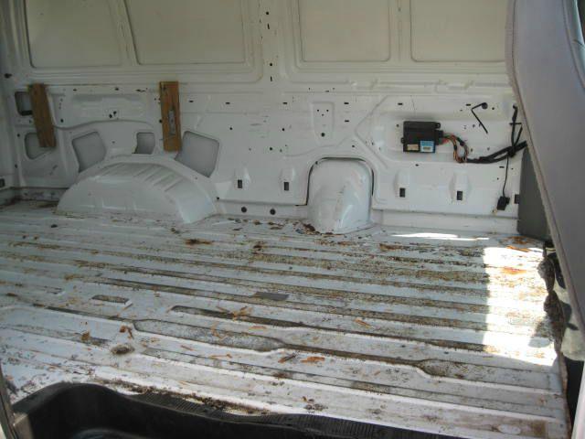 2003 Ford Econoline SE Truck