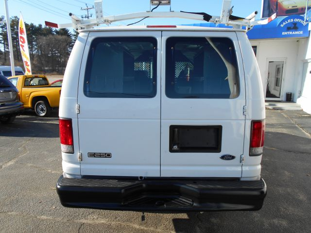 2004 Ford Econoline Awd-turbo