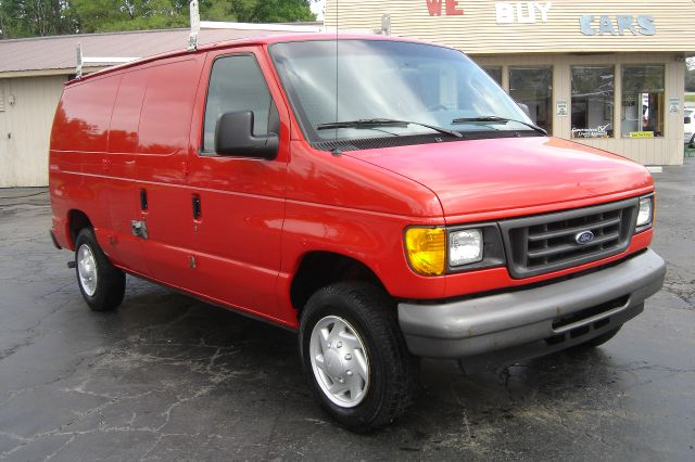 2007 ford econoline e 150 details auburn hills mi 48326. Black Bedroom Furniture Sets. Home Design Ideas