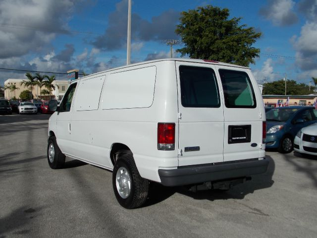 2007 ford econoline e 250 cargo van white windows awd. Black Bedroom Furniture Sets. Home Design Ideas