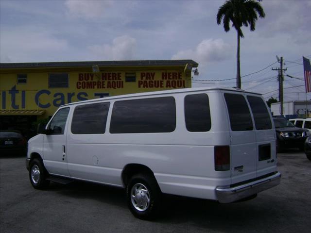2010 Ford Econoline Wagon CPE