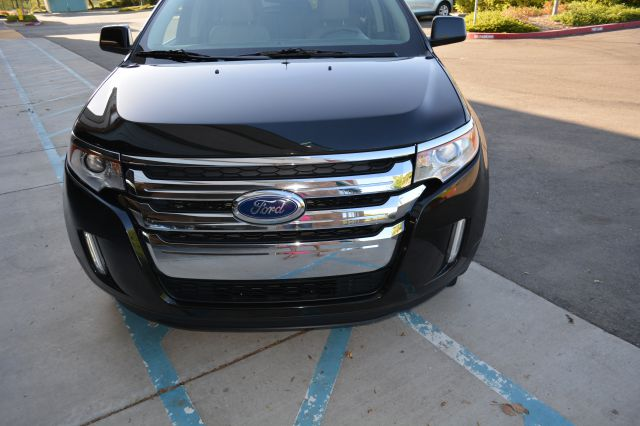 2011 Ford Edge LS Flex Fuel 4x4 This Is One Of Our Best Bargains