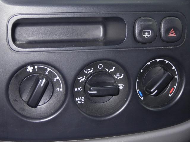 2002 Ford Escape ESi