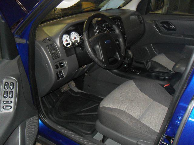 2005 Ford Escape Reg Cab 159.5 WB C5B