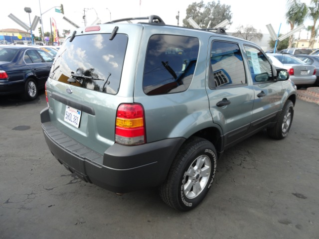 2005 Ford Escape 15