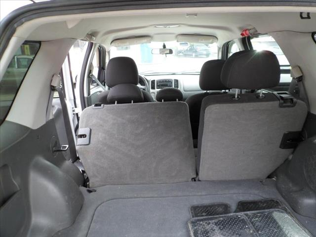 2006 ford escape premium sport cold weather details grand rapids mi 49504. Black Bedroom Furniture Sets. Home Design Ideas