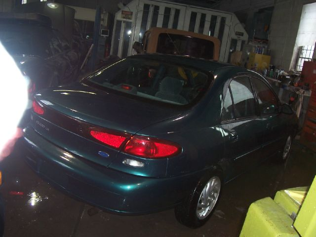 1997 Ford Escort 4dr Auto S Sedan
