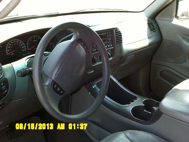 2000 Ford Expedition SL 4x4 Regular Cab