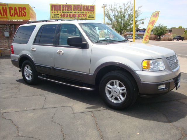 2005 Ford Expedition 4dr Sdn 2.4L FWD