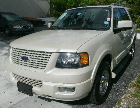 2006 Ford Expedition LS Flex Fuel 4x4 This Is One Of Our Best Bargains