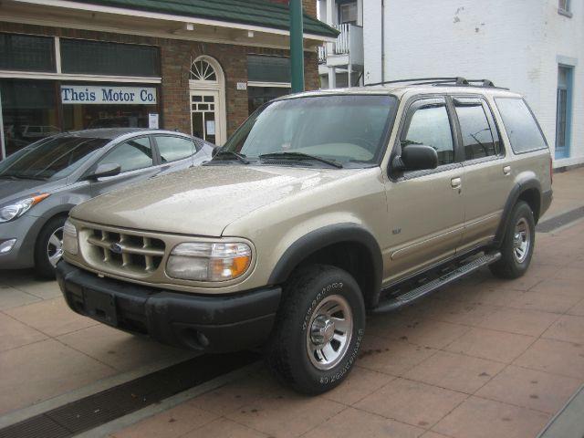 1999 Ford Explorer XLS