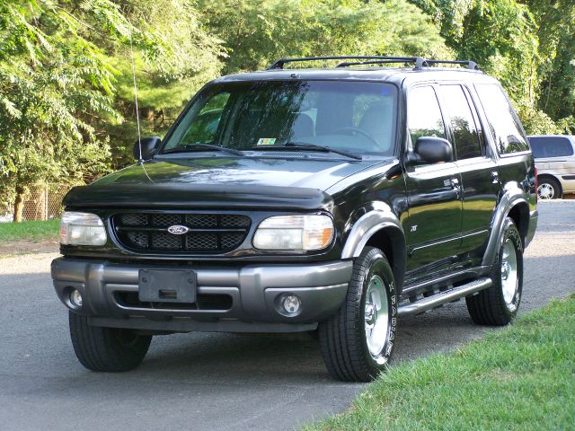 2000 Ford Explorer SL 4x4 Regular Cab
