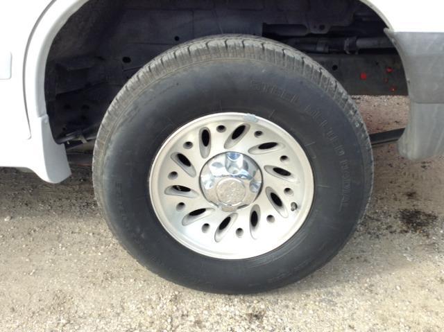 2001 Ford Explorer XLS