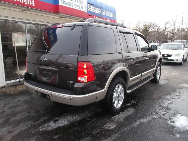 2005 Ford Explorer Custom Deluxe