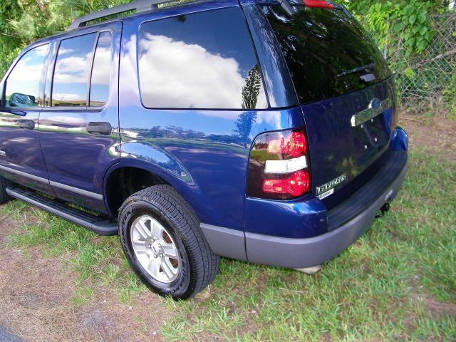 2006 Ford Explorer LT CREW 25