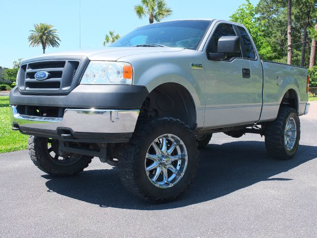 2005 Ford F-150 29