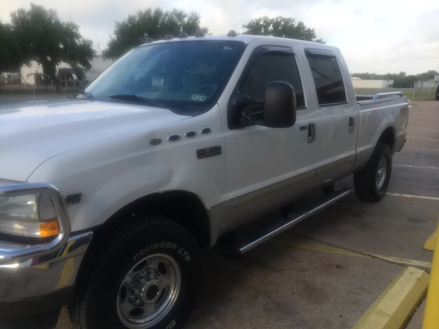 2004 Ford F-250 Super Duty LS Flex Fuel 4x4 This Is One Of Our Best Bargains