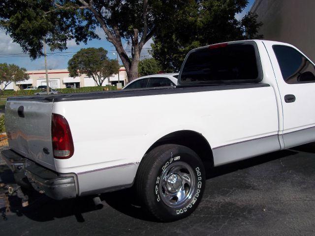 1998 Ford F150 103 WB XLT Details. BOYNTON BEACH, FL 33426