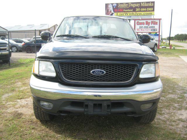 2002 Ford F150 Crew Cab 143.5 WB 4WD SLT