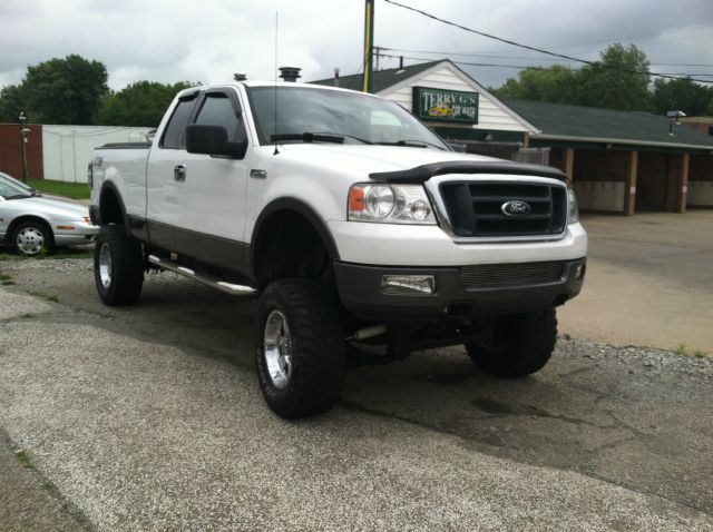 2004 ford f150 xl 2wd reg cab details madison oh 77057. Black Bedroom Furniture Sets. Home Design Ideas