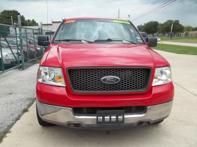 2004 Ford F150 SL Short Bed 2WD