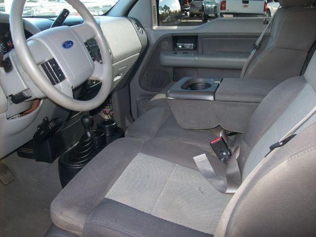 2005 Ford F150 XL 2WD Reg Cab