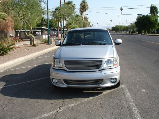 2004 Ford F150 Heritage 4dr 4-cyl (natl) SUV