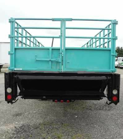 2005 Freightliner M-2 24 foot flatbed LE Super Cleanlow Milesva Inspectedmany TO CHO