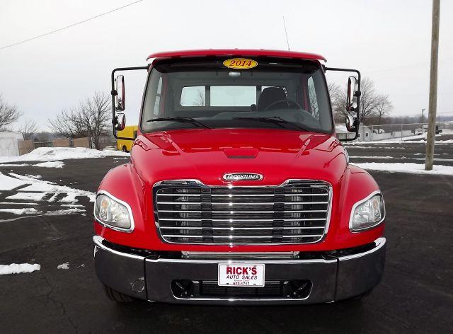 2014 Freightliner M2 Day Cab Premium Packg