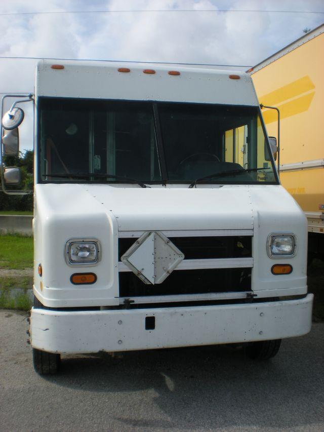 2001 Freightliner MT-45 V6sr5