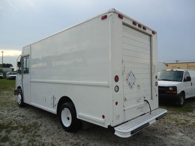 2002 Freightliner W700 Walk-In Step Van