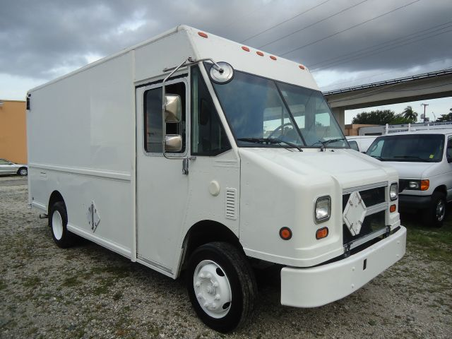 2002 Freightliner W700 Walk-In Step Van
