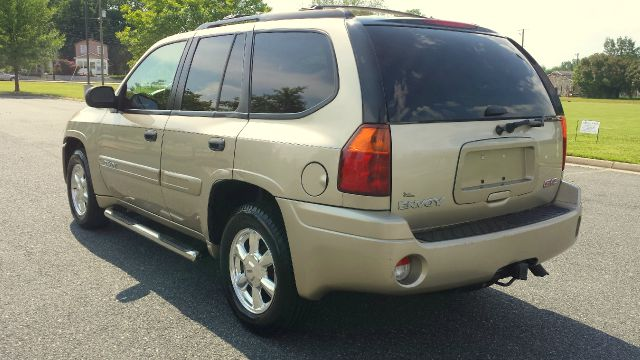 2005 GMC Envoy CREW CAB XLT Diesel