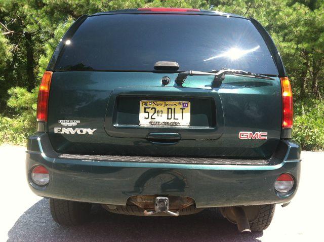 2005 GMC Envoy Wagon SE